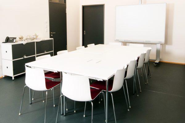 Einrichtung Besprechungsraum